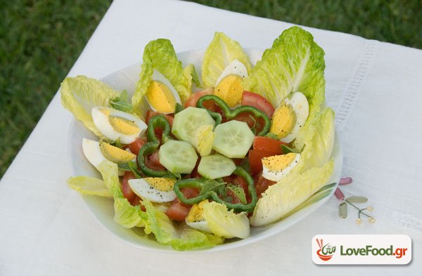 Σαλάτα με αυγά (πασχαλινά)