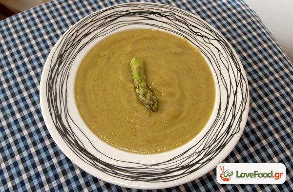 Σούπα βελουτέ με γλυκοπατάτα & σπαράγγια