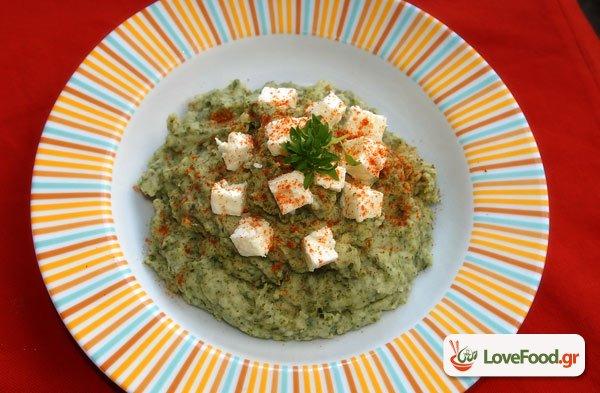 Πράσινος πουρές με πατάτες και βλήτα, εύκολα και οικοεναλλακτικά.