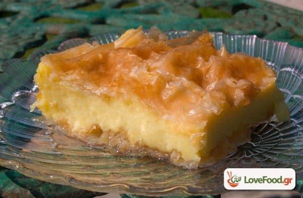 Γαλακτομπούρεκο, η αφρό-κρεμα των γλυκών του ταψιού