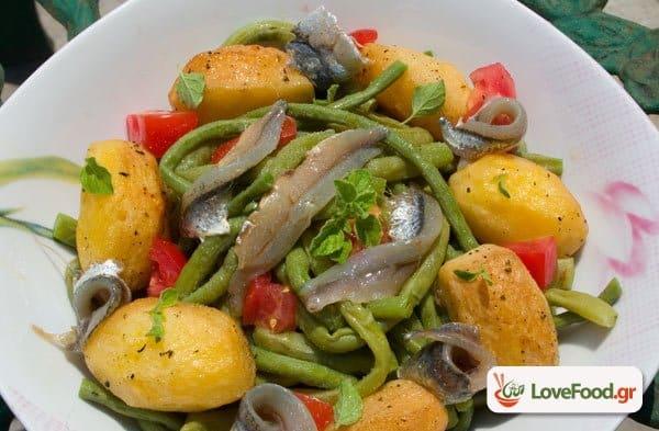 Λουβιά με σαρδέλες σαλάτα