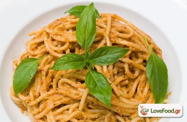 Σπαγγέτι με πέστο ψητής μελιτζάνας, το θέλω τώρα!