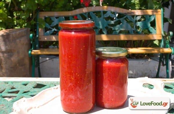 Σπιτική σάλτσα ντομάτας, παγιδέψτε το άρωμα του καλοκαιριού.