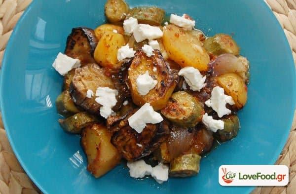 Μπριάμ στον φούρνο με αγαπημένα καλοκαιρινά λαχανικά.