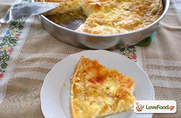 Τυρόπιτα με φύλλο κρούστας ή Πατσαβουρόπιτα .
